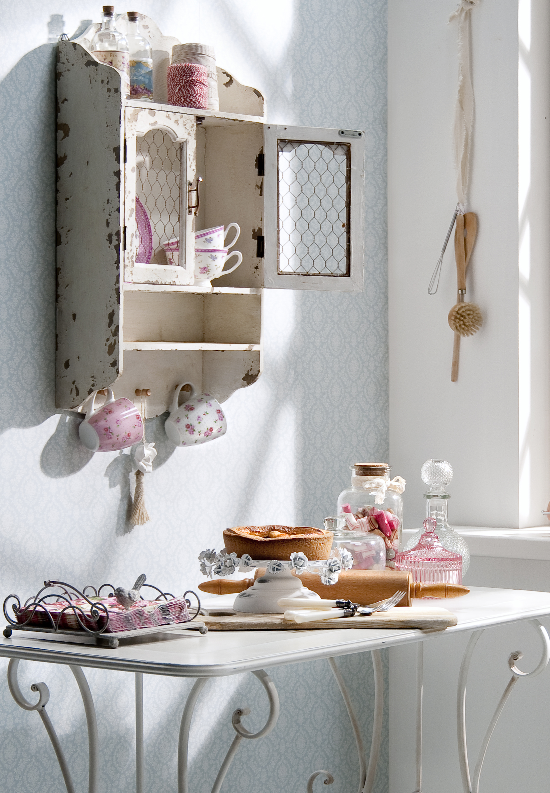 un habitat romantique meubles et d coration style brocante leen bakker fr. Black Bedroom Furniture Sets. Home Design Ideas
